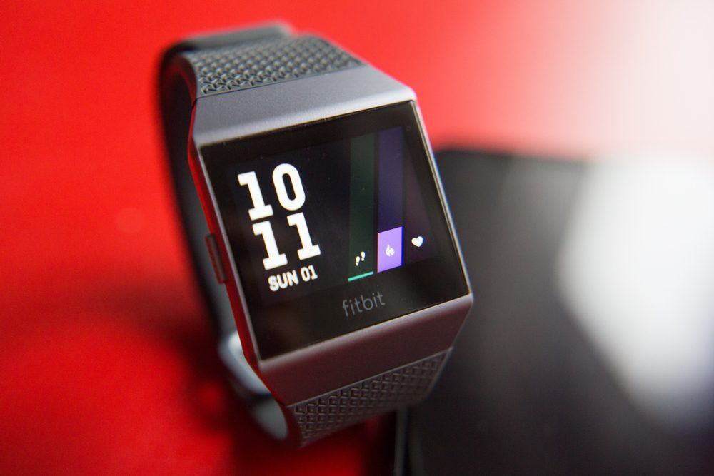 Best Fitbit for Men in 2019 - Top 10 Products to Buy - Techhog