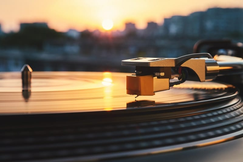 Best Record Players with Speakers review